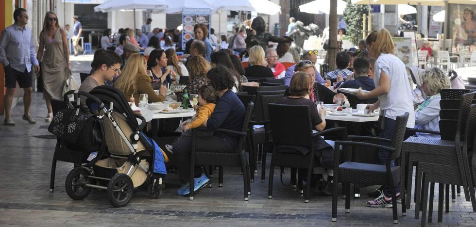 La policía desmantelará las terrazas de los negocios que ocupen más espacio del autorizado en Málaga