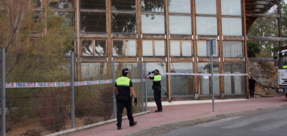 Ronda tapia los accesos al edificio del Mueble tras dos desalojos de okupas