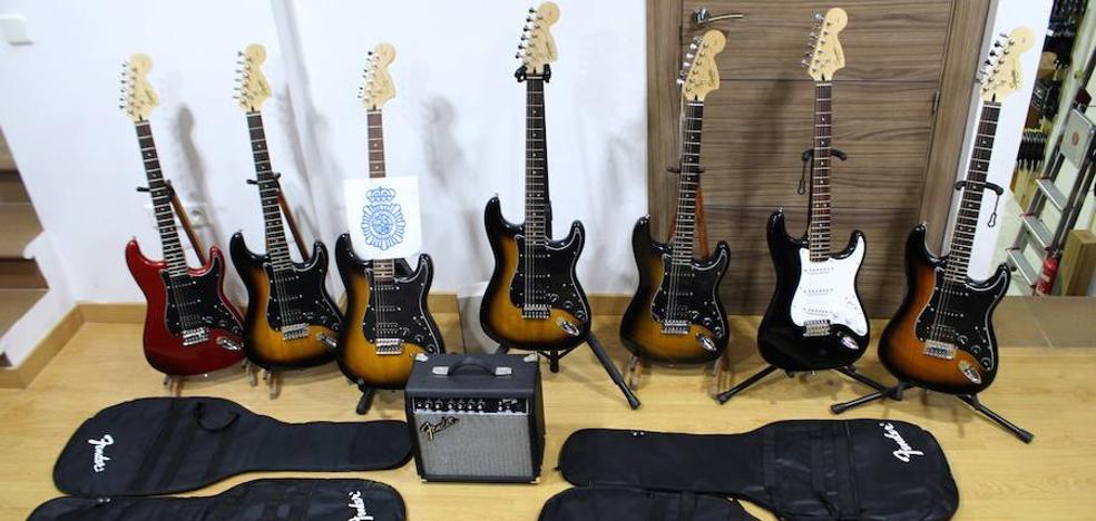 Detenidas cinco personas por el robo de instrumentos en Málaga capital