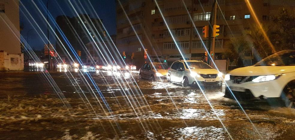 La tormenta provoca cortes de luz en varios municipios de Málaga