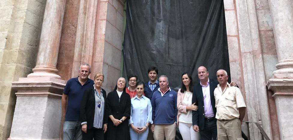 La fachada de la iglesia del Loreto de Antequera recupera todo su esplendor