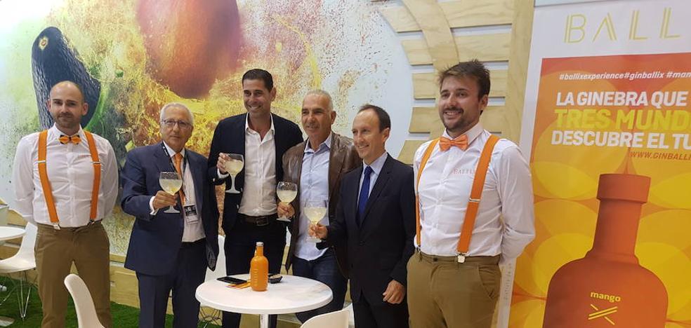 Fernando Hierro apoya un año más los mangos y aguacates de Trops
