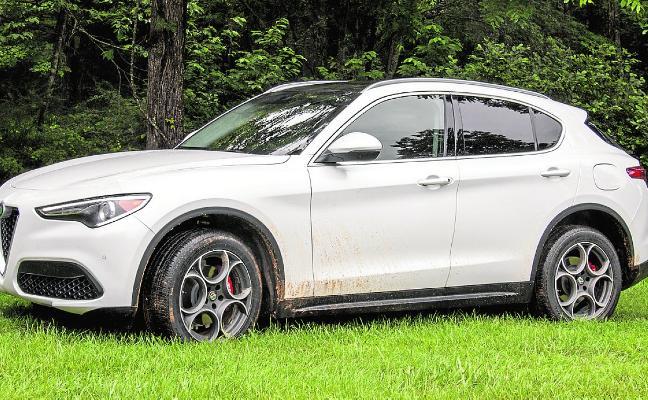 Alfa Romeo descarga todo su poder y diseño en su primer SUV, el Stelvio