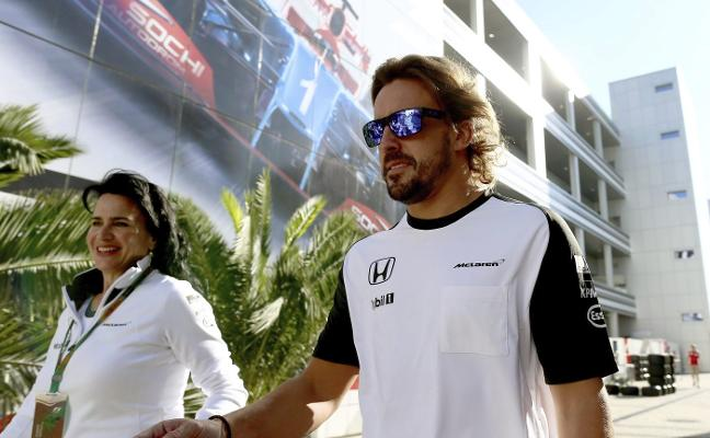 Fernando Alonso anuncia que en 2018 seguirá en McLaren