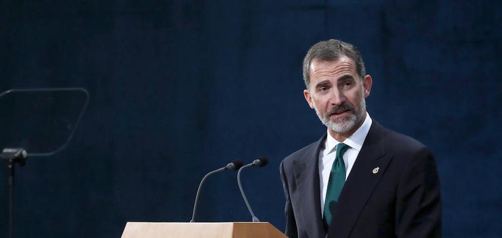 El Rey avisa de que España resolveráel «inaceptable intento de secesión»