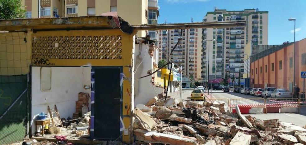 Demolida una caseta ilegal en Virgen de Belén