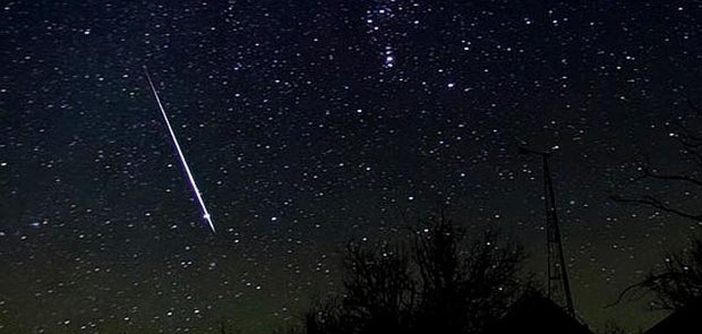 Este sábado, podrás ver la lluvia de Oriónidas, procedentes del cometa Halley, en su máximo esplendor