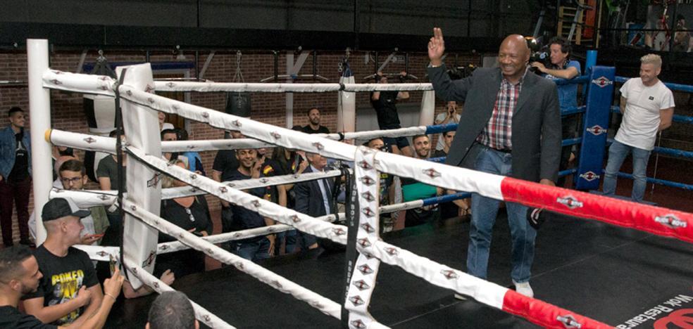 'Maravilla' Hagler deleita en Málaga a los aficionados al boxeo