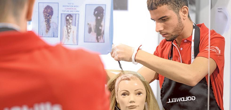 El joven peluquero de San Pedro Tomás Rivera consigue una mención en el mundial de FP