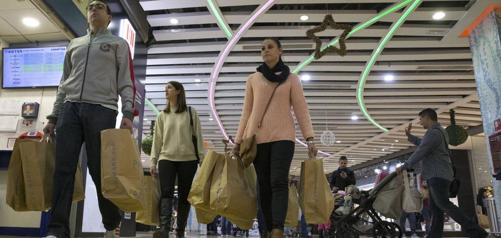 La campaña de Navidad será récord en creación de empleo, con 14.000 contratos en Málaga