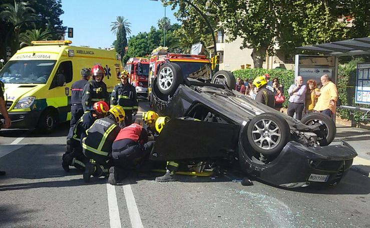Aparatoso accidente en el Paseo de Sancha