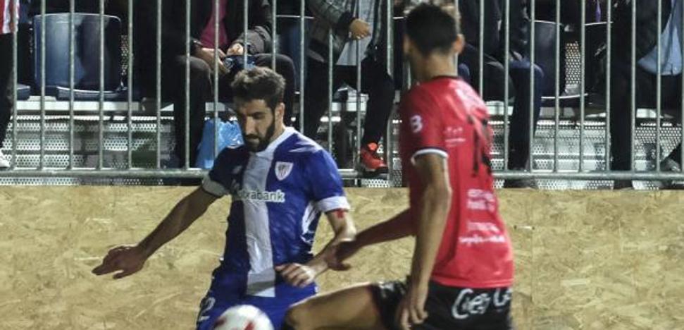Raúl García rescata al Athletic en Formentera