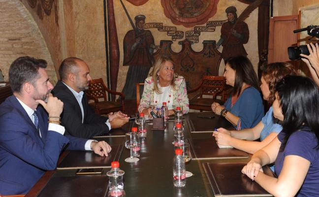 Las AMPAS de Mario Vargas Llosa y Xarblanca piden unidad política para apoyar su instituto