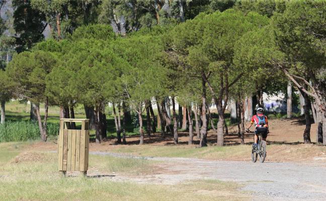 El Campamento Benítez se alumbrará con farolas fotovoltaicas