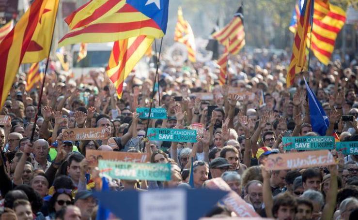 Concentración para apoyar la independencia de Cataluña