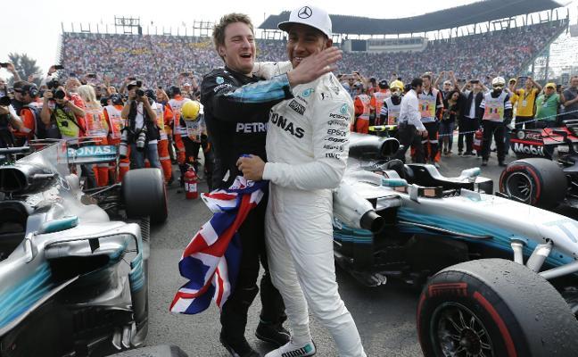 Lewis Hamilton, campeón con susto