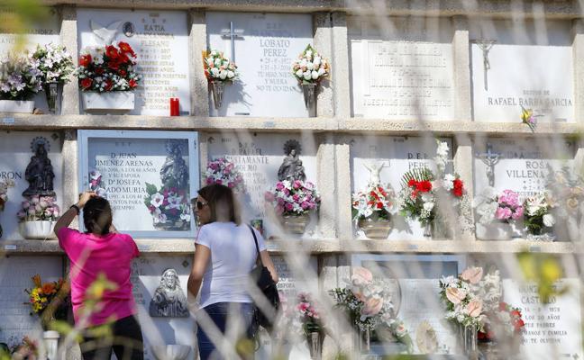 Todos los Santos: entre el recuerdo a los familiares fallecidos y el recorrido turístico