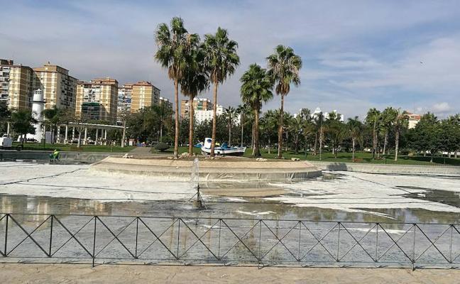 Huelin ya tiene limpio el lago