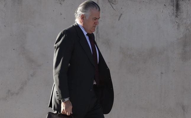 El abogado de Bárcenas niega que participara en 'Gürtel' por su «poder» en el PP