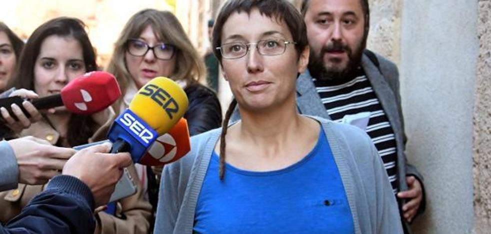 Multa de 7.000 euros a la edil que celebró la muerte de Víctor Barrio