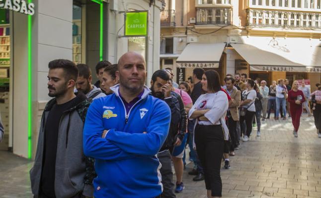 Agotadas en siete horas las 19.000 invitaciones para ver el entrenamiento de la selección en Málaga