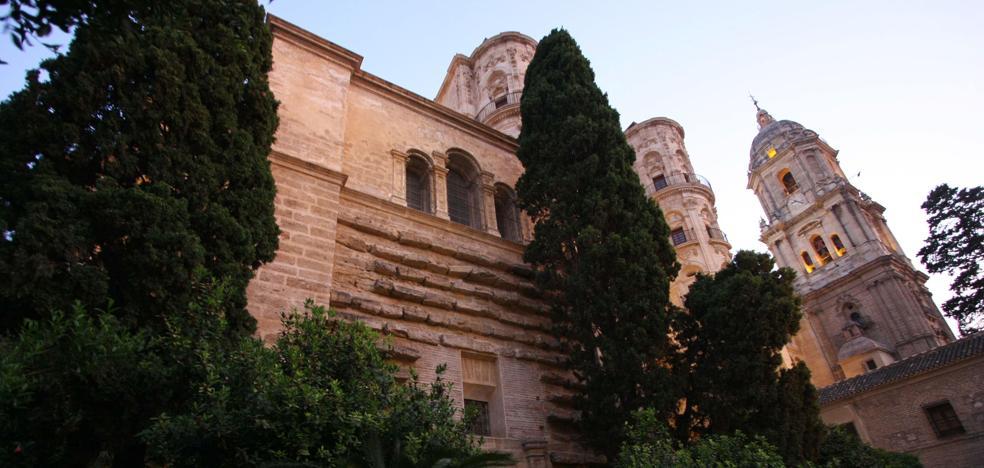 Málaga para la Gente pide que no se facilite la ampliación de la sacristía de la Catedral sobre unos jardines públicos