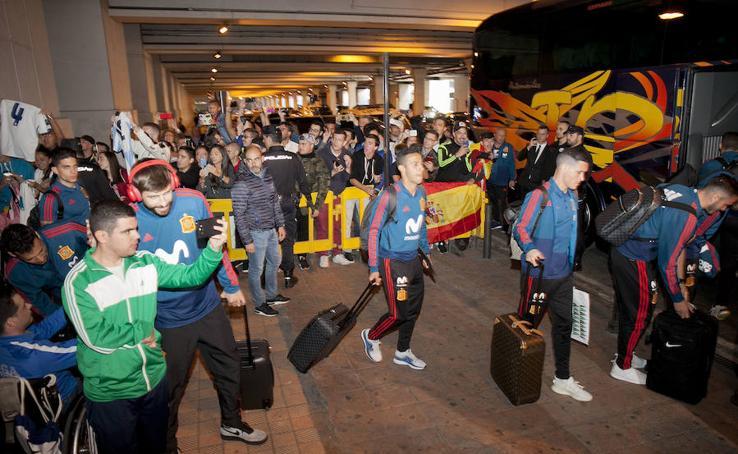 Las mejores imágenes de la llegada de la selección española a Málaga