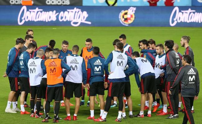 Todas las fotos y vídeos de la selección española en Málaga