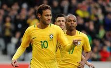 Neymar niega que tenga problemas con Emery
