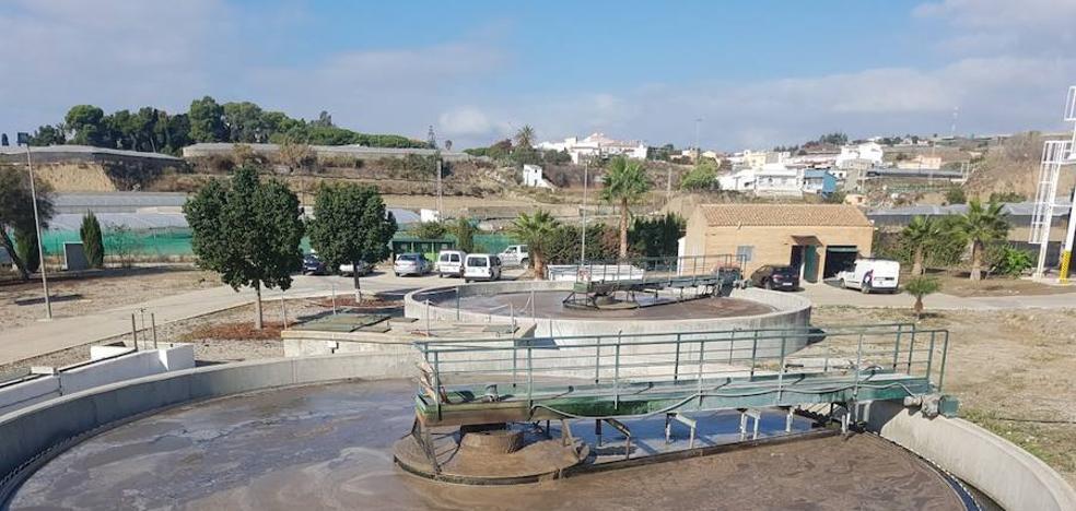 Rincón de la Victoria, Vélez, Algarrobo y Torrox vierten 9 hectómetros cuadrados al año de agua depurada al mar