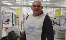 Luis Lara, el voluntario del Banco de Alimentos de Cádiz que anima a participar en la Gran Recogida