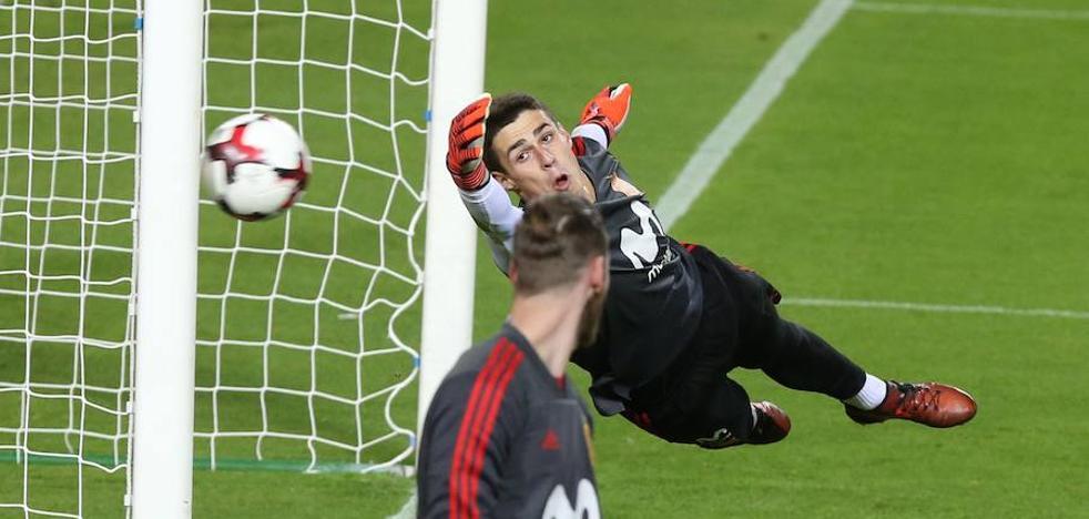 Kepa debuta con España