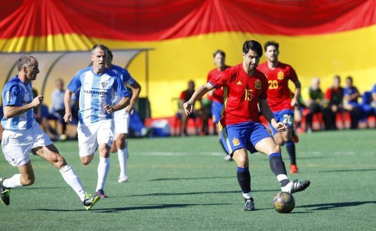 Fotos del partido entre exjugadores del Málaga Club de Fútbol y las Leyendas de la Selección Española