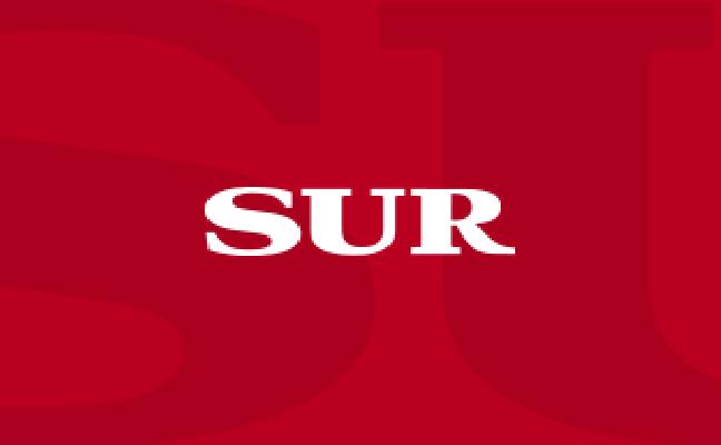 Siete heridos en un accidente de tráfico en la plaza de Manuel Azaña en Málaga capital