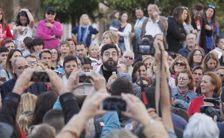 Malagueños homenajean a Chiquito de la Calzada en el parque de su nombre