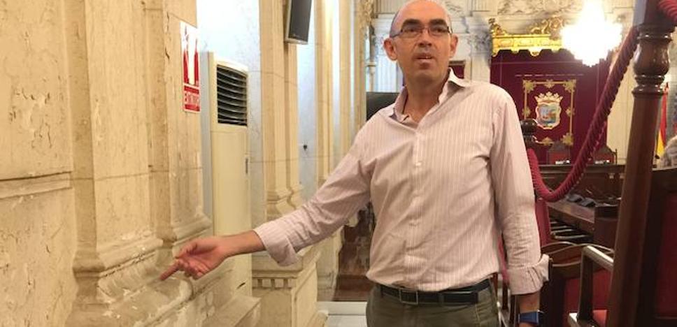 Zorrilla reclama un plan para rehabilitar el Ayuntamiento