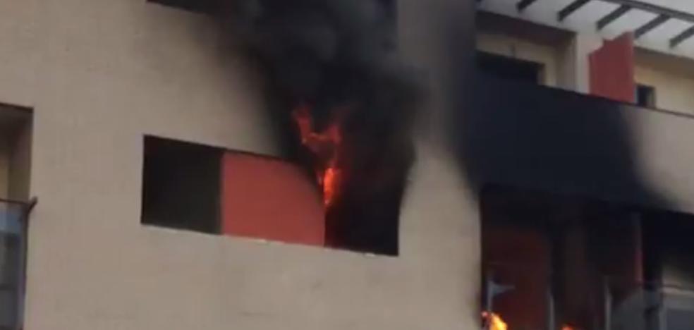 Un incendio afecta de nuevo al edificio okupado de Juan XXIII