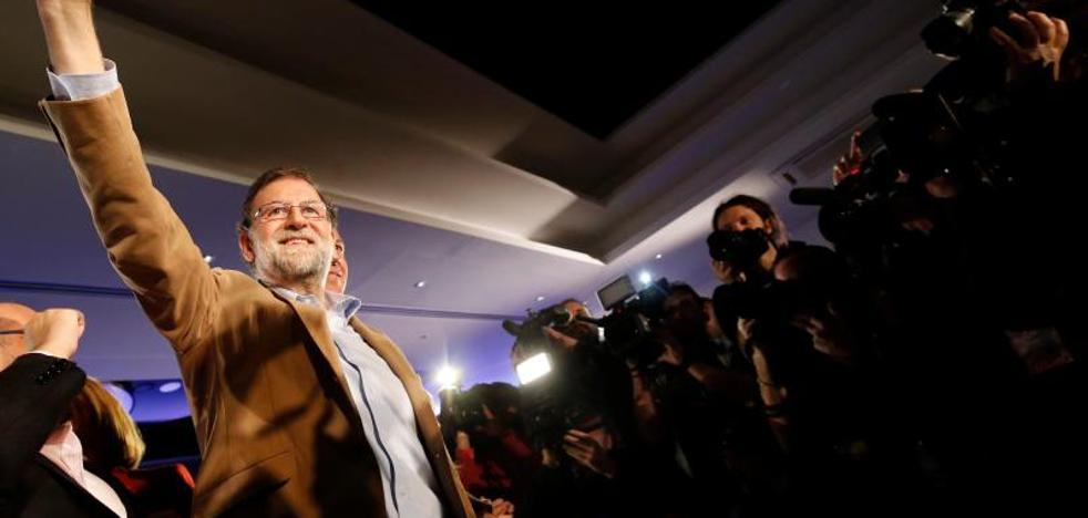 Rajoy pide que cese la salida de empresas de Cataluña y anima a seguir comprando productos de esa tierra
