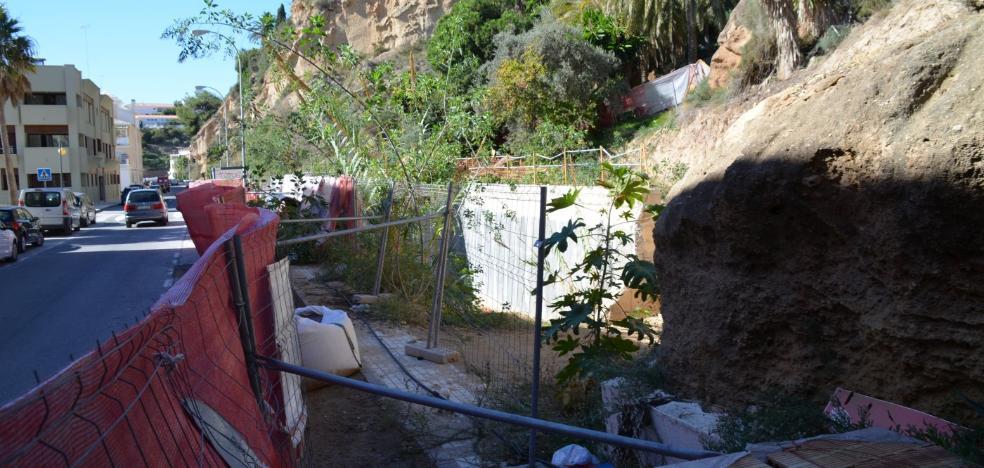 Las obras de la depuradora siguen paradas un mes después de anunciarse su reinicio