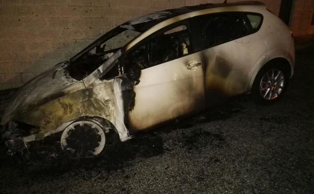 Un edil de Podemos denuncia que el fuego que calcinó un coche familiar fue provocado