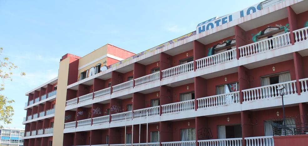 El terreno del antiguo Hotel Los Álamos de Torremolinos despierta el interés de varios inversores