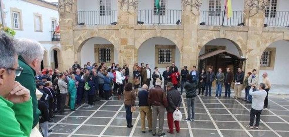 El Ayuntamiento de Cortes de la Frontera reduce a una las nóminas pendientes a sus trabajadores