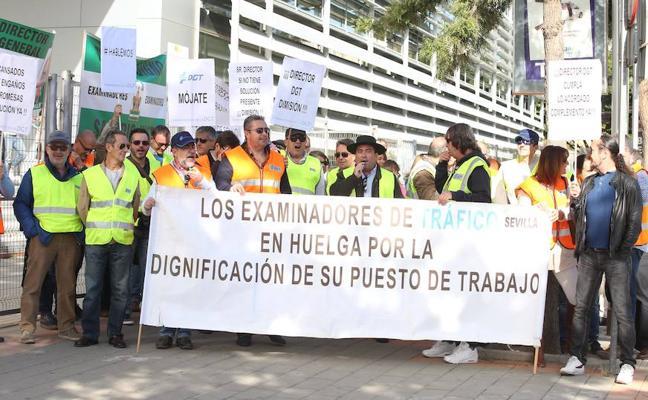 Los examinadores acercan posturas con la DGT pero no desconvocan la huelga