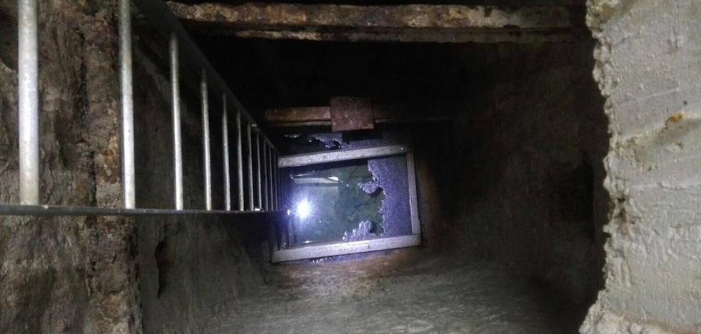 La policía identifica a los presuntos autores del vertido en Miraflores del Palo