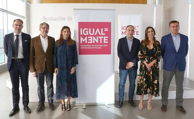 Diputación refuerza su campaña en Málaga para erradicar la violencia de género