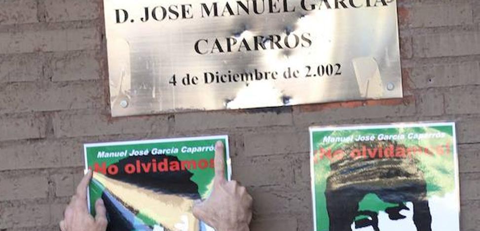 El BOJA publica el acuerdo para que la esquina de la Alameda Principal donde murió García Caparrós sea Lugar de Memoria Histórica