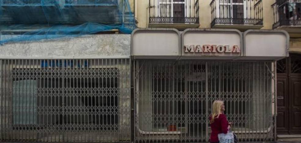 Mariola cierra por jubilación tras 47 años en la calle Comedias