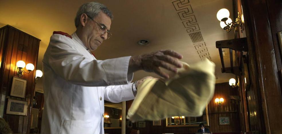 La provincia lidera la generación de empleo en Andalucía, con un tercio de las ofertas