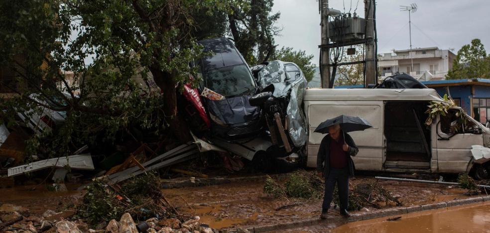 Lluvias torrenciales provocan al menos 15 muertos y múltiples daños en Grecia