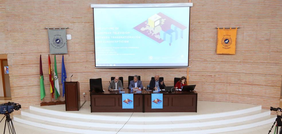 La televisión, y su capacidad de adaptarse a nuevos públicos, a debate en un congreso en Málaga